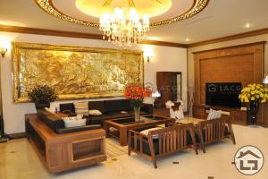 Mẫu sofa gỗ cho phòng khách rộng, sang trọng