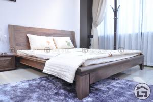 Giường ngủ gỗ tự nhiên sang trọng